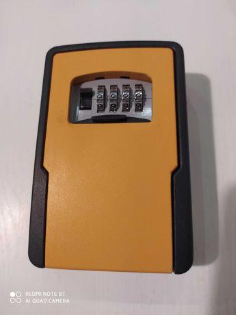 Кейлокер для ключей разные цвета 599 грн/шт