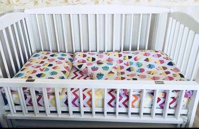"""Детское постельное белье """"Аппетитные кексики"""" на кроватку 120х60"""