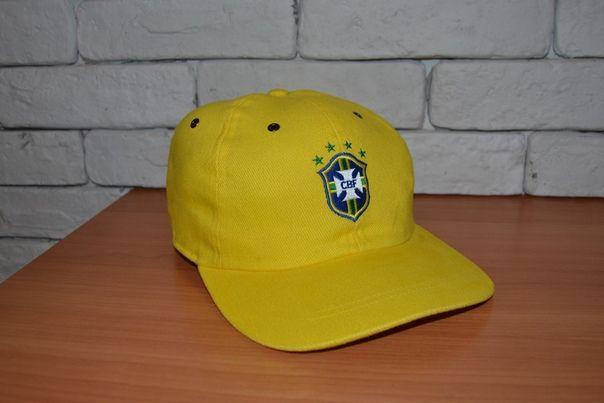 Бейсболка сборной Бразилии.