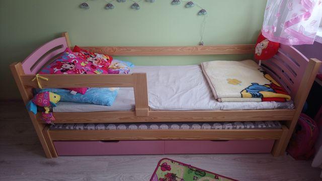 Łóżko podwójne dla dziewczynki