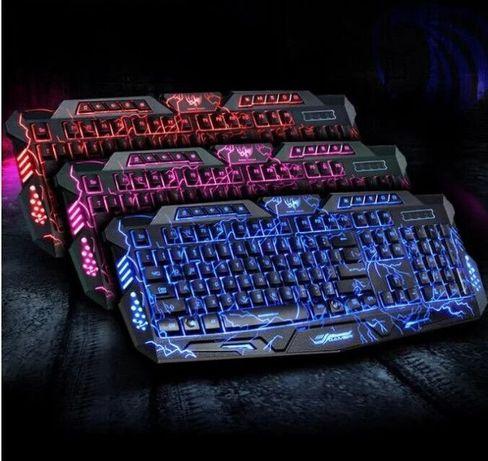 Профессиональная игровая клавиатура с 3 цветами подсветки Razer