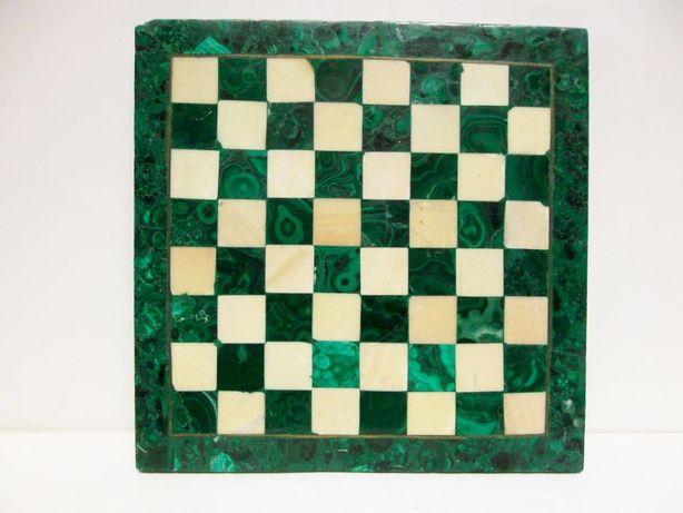 vintage tabua de jogo de xadrez e damas em malaquita e mármore
