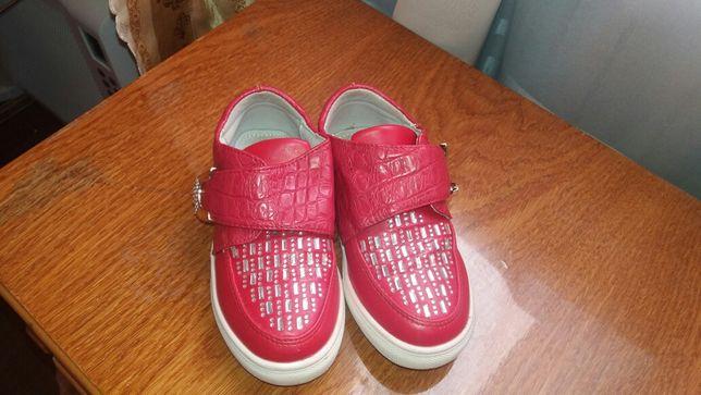 Нарядні туфельки для дівчинки