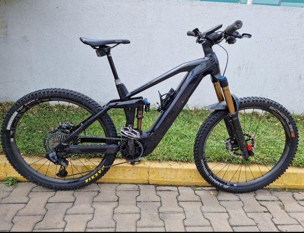 Bicicleta cube SLT  2021  eléctrica enduro full suspension