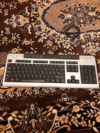 Продам клавиатуру с мышкой
