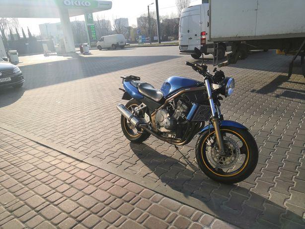 Honda CB-1, CB-400F, NC27