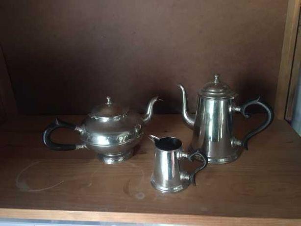 Cafeteira /Bule de Chá / Leiteira em casquinha