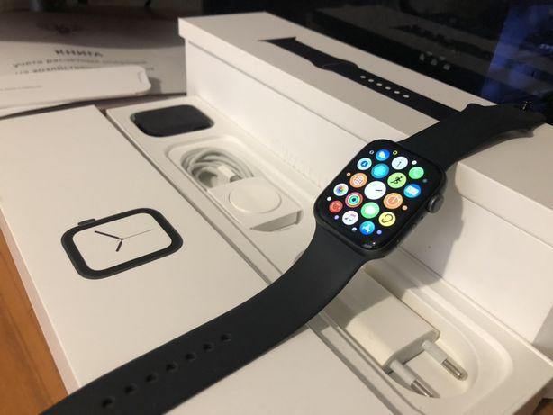 Продам Apple Watch 4 44mm