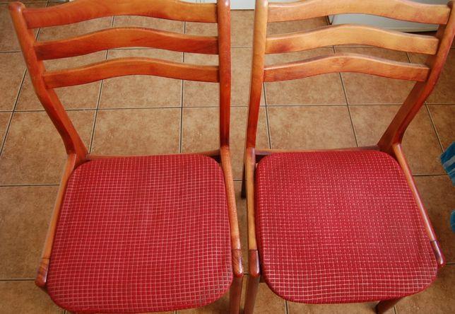 Krzesło. Dwa, solidne, krzesła drewniane, bukowe. Cena 50zł/sztuka.