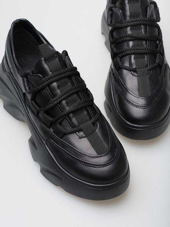 Новые чёрные кожаные женские кроссовки
