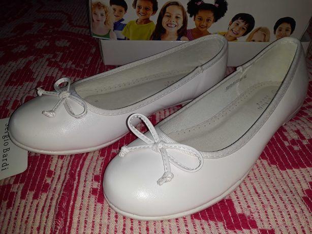 Buty komunijne wizytowe nowe skóra baleriny białe r.36
