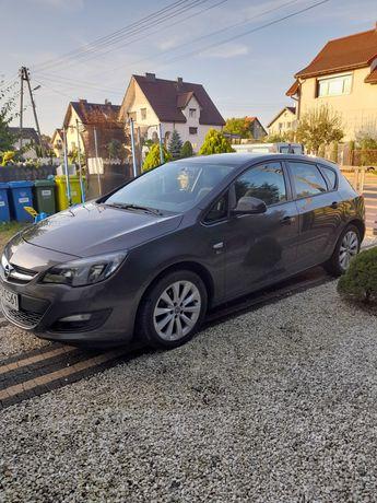 Opel astra 1.4 benzyna 95.000 podgrzewana kierownica 2x alufelgi
