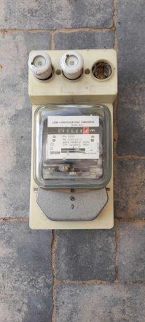 Licznik Elektryczny trzy-fazowy