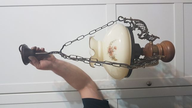 Piękna stylowa lampa sufitowa