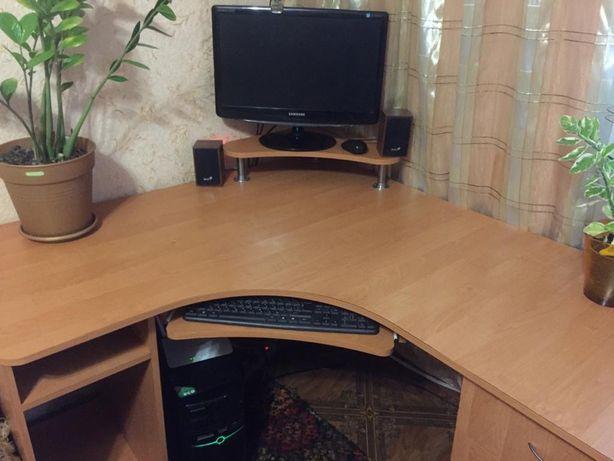 Офисный угловой стол