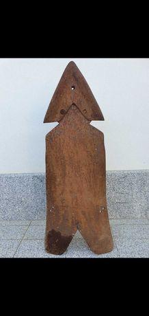 Arado antigo em ferro