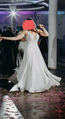Suknia ślubna (Amy Love)