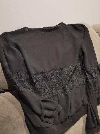 Bluzeczka z elementami koronki