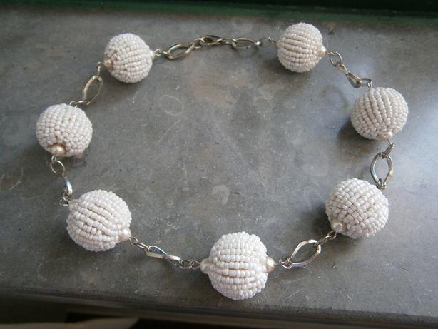 Colar bolas brancas, original Casa Batalha(NOVO)