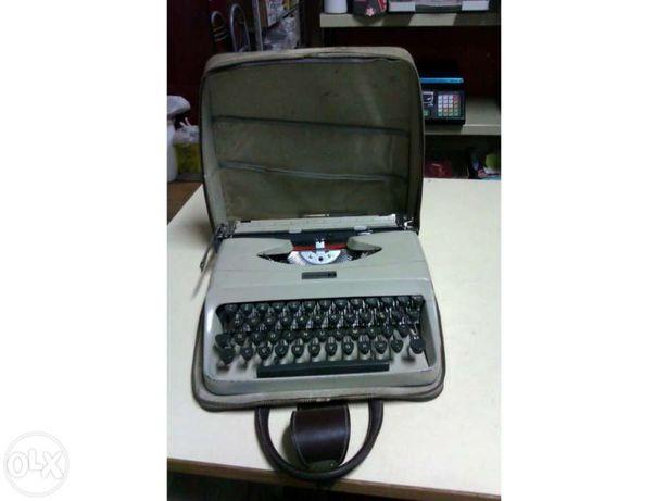 Máquina Escrever Underwood 18