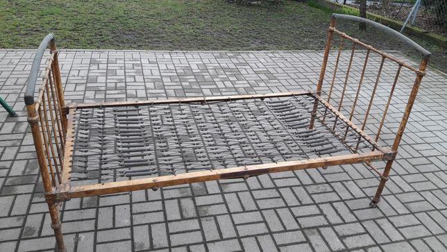 Przedwojenne łóżko polskiej firmy Konrad&Jarnuszkiewicz i sp.