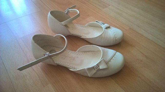 Białe buty dziewczęce do komunii lub okolicznościowe rozmiar 34