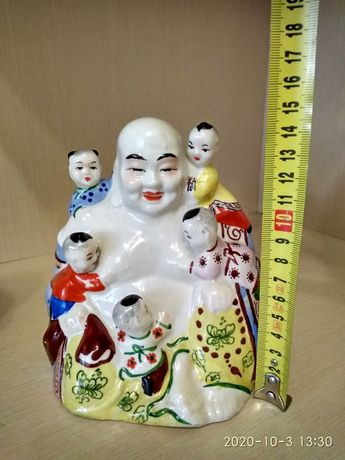 Китайская статуэтка, смеющийся Хотей в окружении детей + Подарок