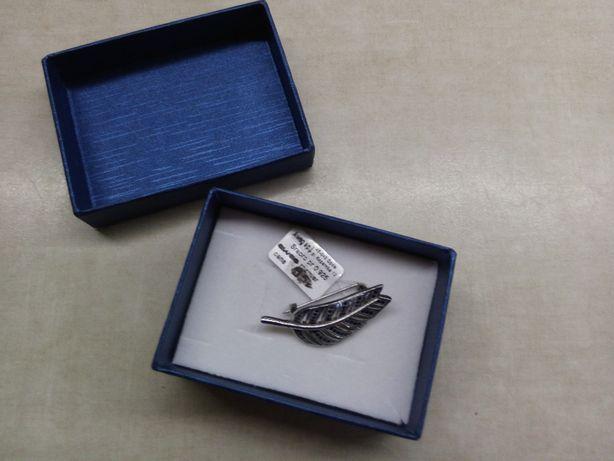 Broszka srebrna w kształcie liścia Aweg