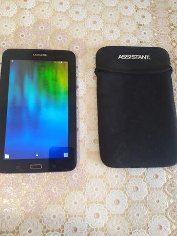 Планшет Samsung SM-T113 + Флешка на 32гб