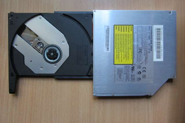 Пишущий привод DVD-ROM/CD-R/RW для ноутбука