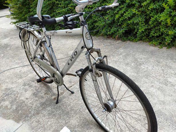 Bicicleta Cyco 8 velocidades