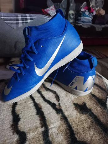 Buty na hale Nike Mercurial
