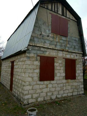 Продам дачу, дом с мансардой на 12 сотках земли.