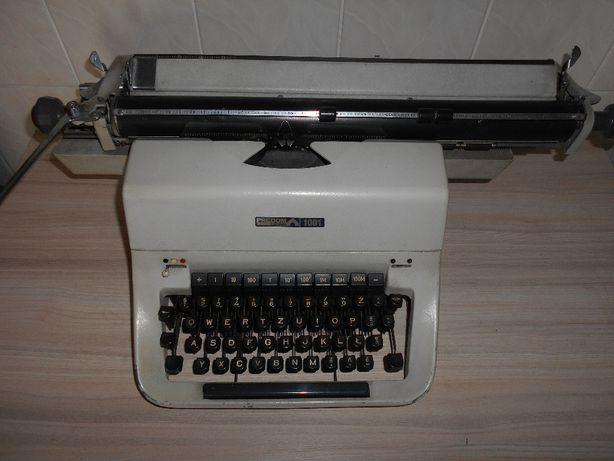 Maszyna do pisania Łucznik 1001