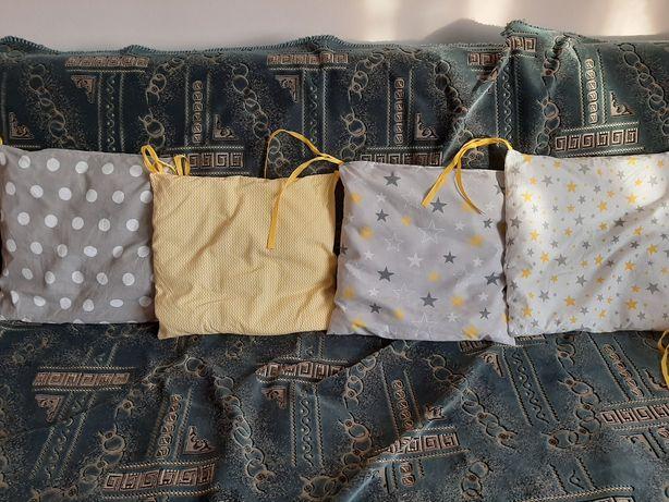 Подушки бортики у дитяче ліжечко