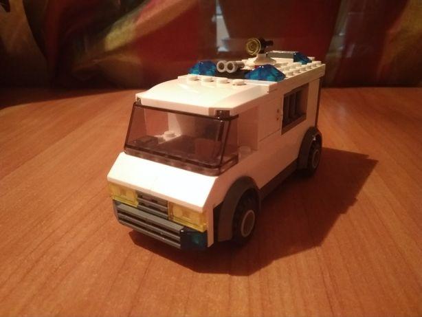Продам конструктор Lego 7245 (Полицейский фургон)