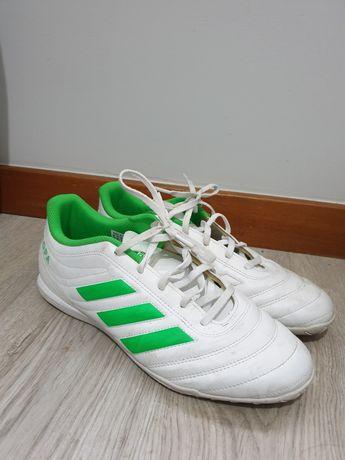 Chuteira Adidas pouco usada
