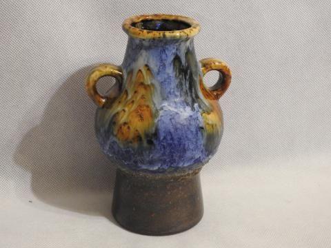 Piękny wazon niemiecki lava sygnowany.
