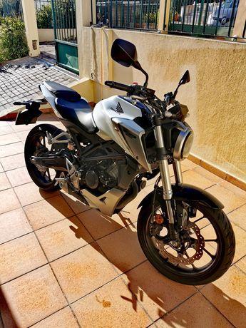 Honda CB 125r mota de garagem