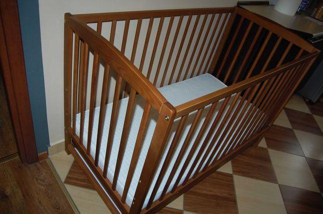 Łóżeczko drewniane z materacem 120x60, jak nowe