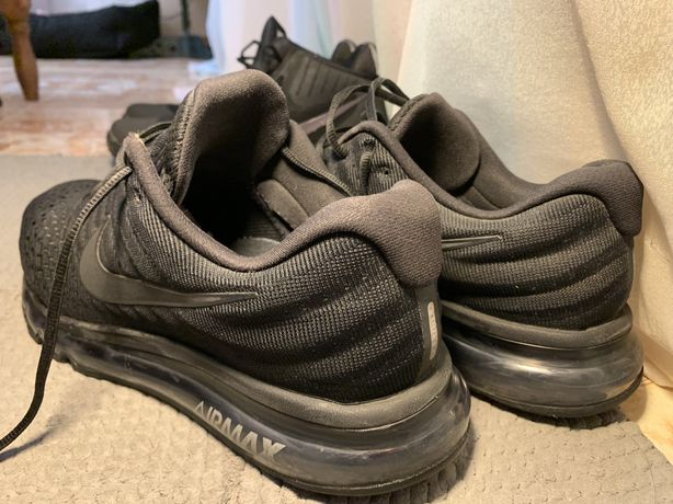 Продам кроссовки NIKE AIR MAX