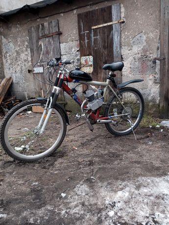 Rower montaż silników spalinowy