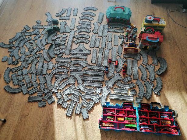 Tomek i przyjaciele zestaw torów, budynków, lokomotyw i wagonów