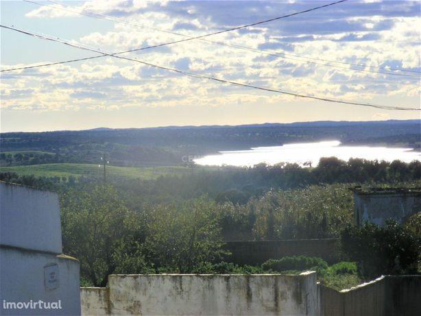 Moradia 14 divisões, 425 m2, vista sobre barragem, com potencial para