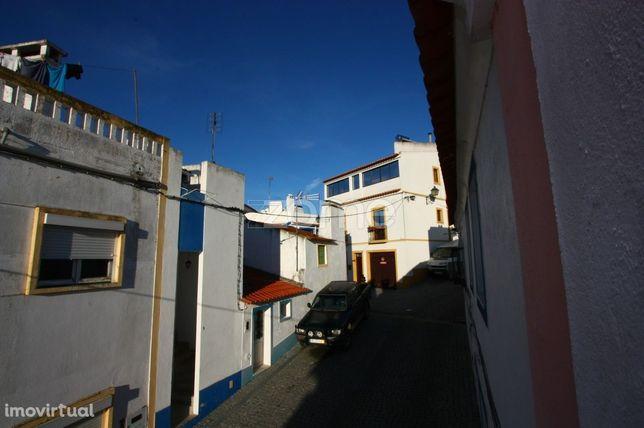 Moradia Alto Alentejo Zona histórica de Mora p/recuperar