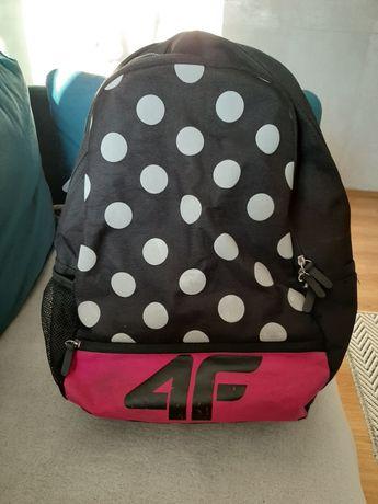 Plecak szkolny 4F odblaski
