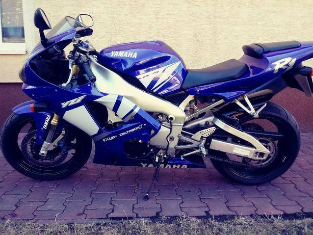 Yamaha R1 Stan jak perfekcyjny.