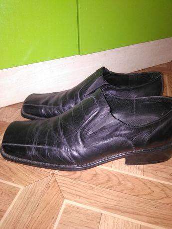 Продам кожаные туфли 45 размер