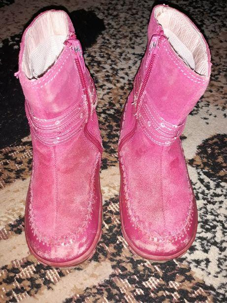 Демисезонные сапоги ботинки,тапочки