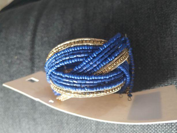 Nowa bransoletka, sztuczna biżuteria